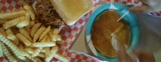 Ole Hickory Pit BBQ is one of สถานที่ที่ Marissa ถูกใจ.
