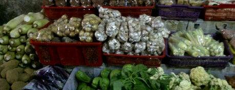 Sayuran Segar Bandungan is one of Pekalongan World of Batik.
