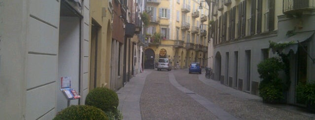 Brera is one of Milano places.
