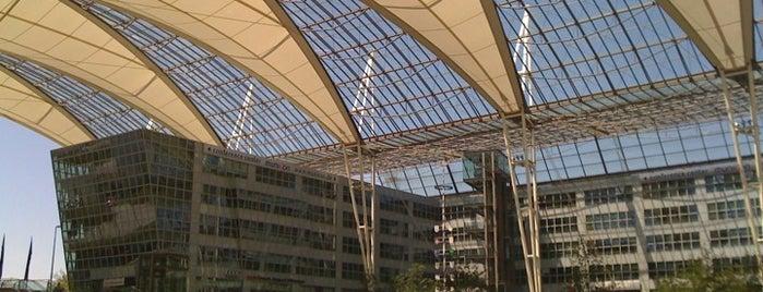 """Flughafen München """"Franz Josef Strauß"""" (MUC) is one of World Airports."""