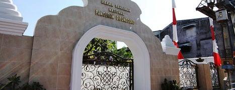 Makam Pangeran Diponegoro is one of Makasar.