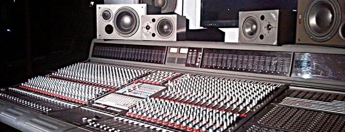Midas Studios is one of Baladas e Barzinhos.