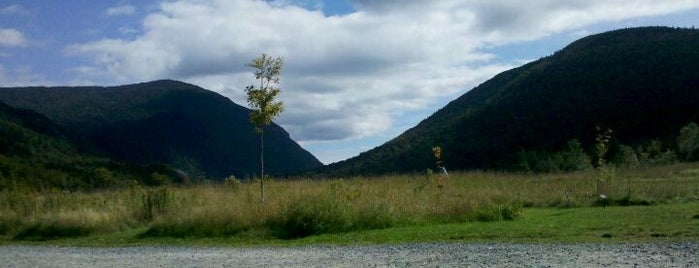 Crawford Notch State Park is one of White Mountains.