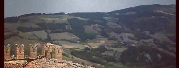 Castello di Zavattarello is one of Favorite Great Outdoors.