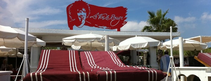 La Voile Rouge is one of Can I have a drink?.