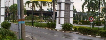Bulatan Simpang Lima is one of Highway & Common Road.