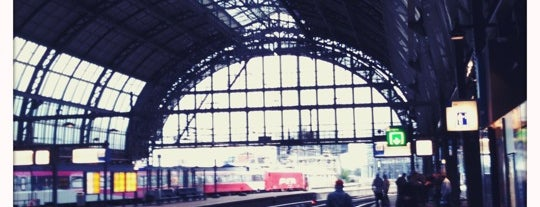 Amsterdam Central Railway Station is one of Amsterdam ADventure.