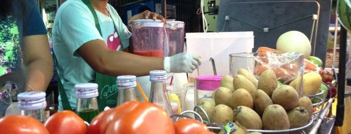 น้ำปั่นเพื่อสุขภาพ (หน้าวัดหนองบัวรอง) is one of ของกินริมถนน อ.เมือง โคราช - Korat Hawker Food.