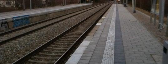 S Leienfelsstraße is one of München S-Bahnlinie 4.