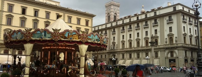 Piazza della Repubblica is one of Florence Bars, Cafes, Food, POI.