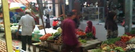 Pasar Sungai Dama Baru is one of Wisata Belanja di Samarinda.