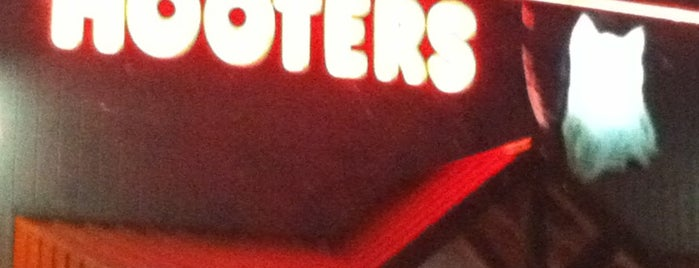 Hooters is one of Favorites.