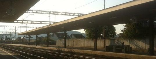 Bahnhof Lenzburg is one of Bahnhöfe.