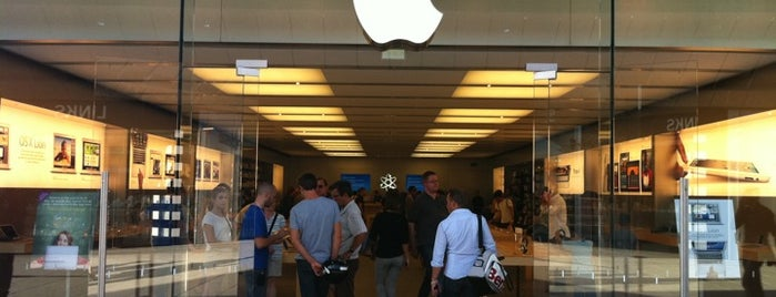 Apple Odysseum is one of All Apple Stores in Europe.