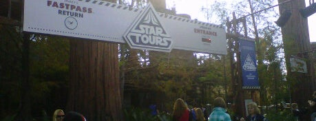 Star Tours – The Adventures Continue is one of Cool Orlando Geek Spots.