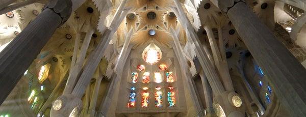 Templo Expiatorio de la Sagrada Familia is one of Gaudí - Modernismo.