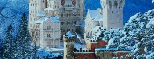Schloss Neuschwanstein is one of Munich And More.