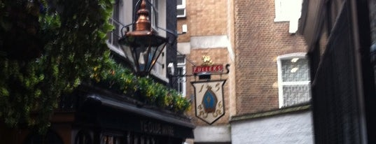Ye Olde Mitre Tavern is one of London.