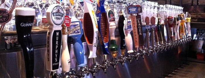 Casler's Kitchen & Bar is one of Places to eat in INDY.