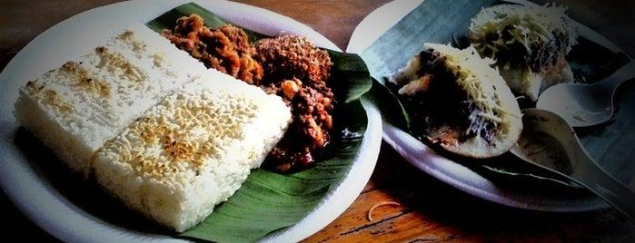 Tahu Susu Lembang is one of Bandung Food Foursquare Directory.