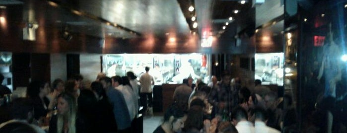 Momofuku Ssäm Bar is one of Quick, I need a date spot..