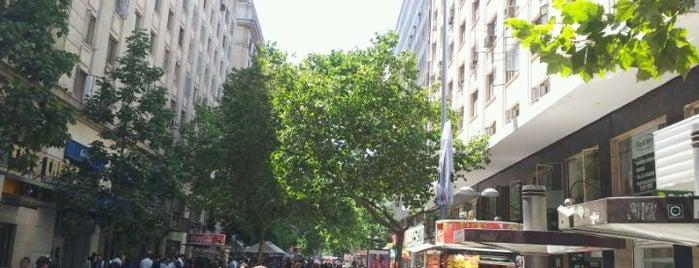 Paseo Ahumada is one of Para visitar en Santiago.