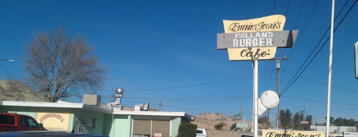 Emma Jean's Holland Burger Cafe is one of Diners, Drive-Ins, & Dives.