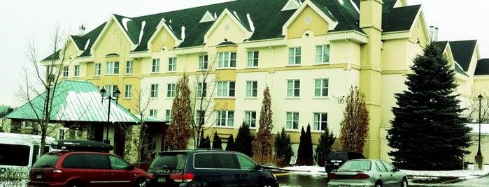 Hotel Château-Bromont is one of 12 endroits favoris dans les Cantons de l'Est.
