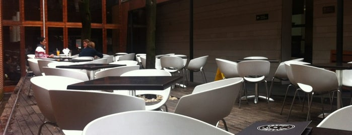 Crepes & Waffles is one of Coolplaces bogotá.