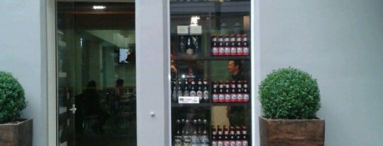 Mr. Beer is one of Bares e Baldinhos.