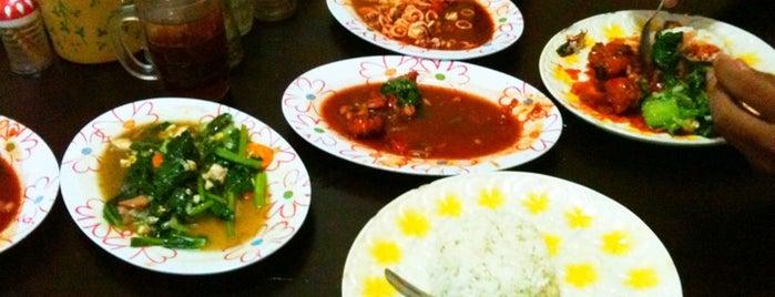 Warung Surabaya samping Klenteng Kuta is one of Tempat Makan Maknyus - BALI.