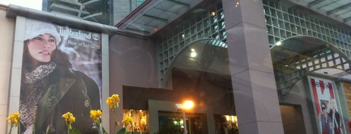 1 Utama Shopping Centre (Old Wing) is one of Shopping Mall..