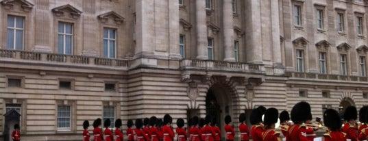 Palacio de Buckingham is one of Bucket List Places.