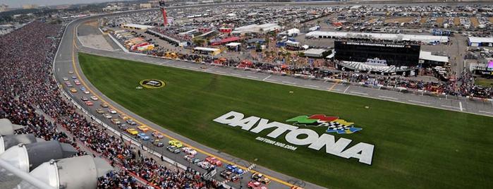 Daytona International Speedway is one of Best Nascar Race Car Tracks.