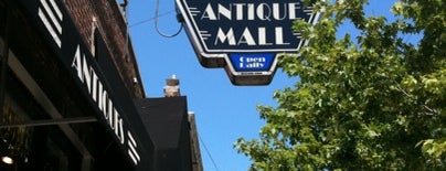 Edgewater Antique Mall is one of 100 Best Places in Chicago: TOC Staff Picks.