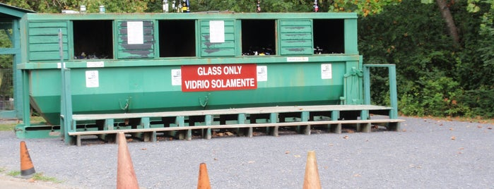 M L King Convenience Center & Recycling Drop-off Site is one of Convenience Centers in Whitfield County.