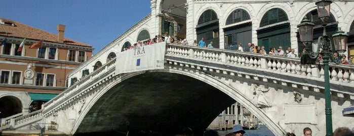 Ponte di Rialto is one of Italy 2011.