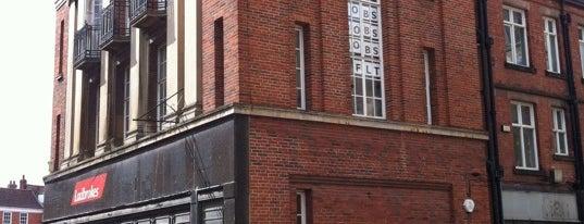 Ladbrokes is one of arts décoratifs de Newark.