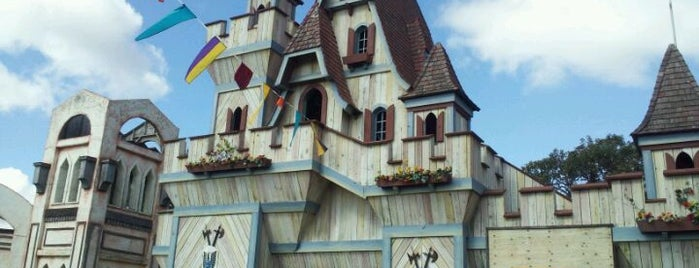 Minnesota Renaissance Festival is one of fun places to check out.