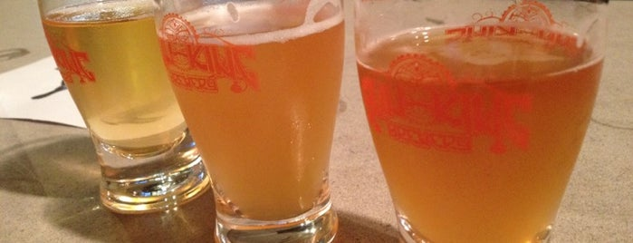 Chef JJ's Backyard is one of Growler fill spots in Indy.