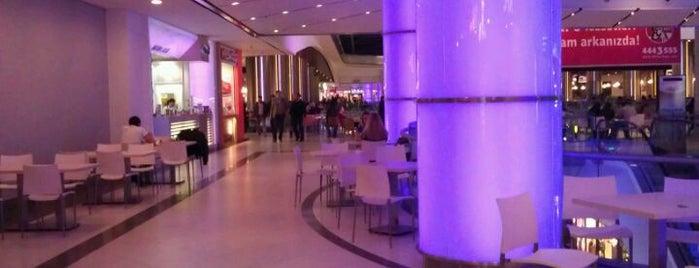 Palladium is one of İstanbul'daki popüler AVM'ler.