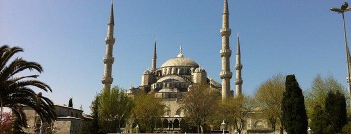 Blue Mosque is one of Denemeden geçmeyin! ;).