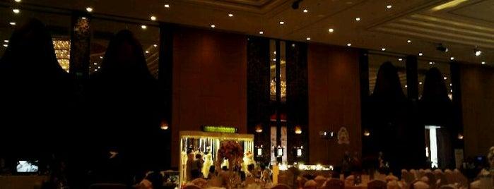 Shangri-La Hotel is one of Hotel.