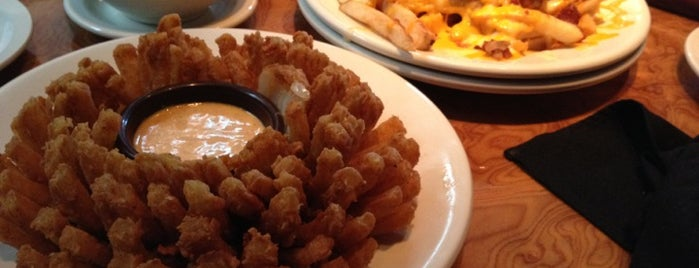 Outback Steakhouse is one of RIO - Restaurantes.