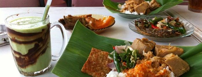 Masakan Padang Asli Kg Baru is one of Singgah Makan Selalu.