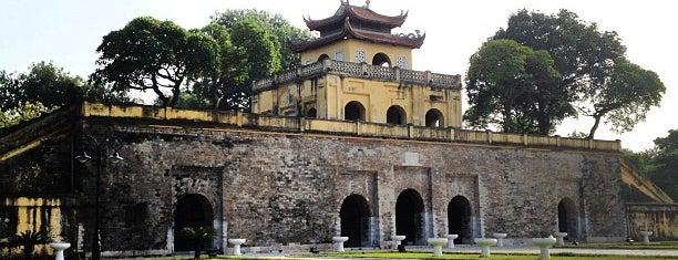 Hoàng Thành Thăng Long (Imperial Citadel of Thang Long) is one of Địa điểm phải tới khi ở Hà Nội.