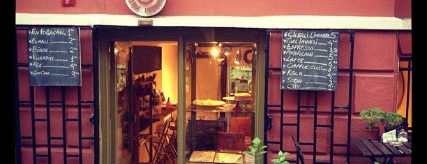 Küçük Kurabiye Dükkanı is one of Istanbul.