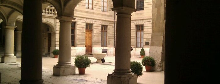 Hôtel de Ville de Genève is one of Discover Geneva.