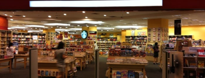 Borders is one of Berburu Buku @KL.