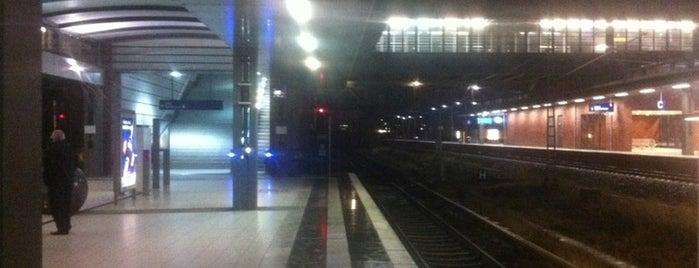 Bahnhof Berlin Gesundbrunnen is one of DB ICE-Bahnhöfe.